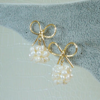 Rose gold wired ribbon with a feshwater cluster pearl   earrings-Handmade,Clip on earrings,Pearl dangle earrings