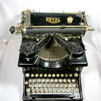 Royal 10 Typewriter Working Antique Vintage Manual Office Decor 1900's