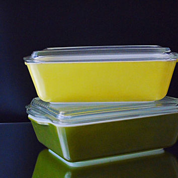 Square Pyrex Refrigerator Dishes Space Saver Containers Ribbed Lids Verde Avocado Green and Primary Color Yellow Vintage 1950s