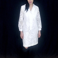 Vintage 60s Mod White/Off White Lace Paisley Pattern Poet Sleeve Psychedelic Shift Dress M