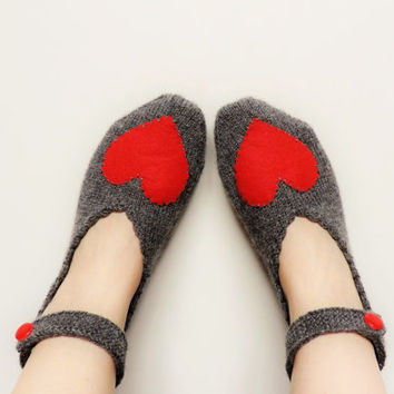 Valentines Day Grey Love Slippers, Hand Knit Turkish Slippers, GreyTurkish Socks, Red Heart Knitted Slippers