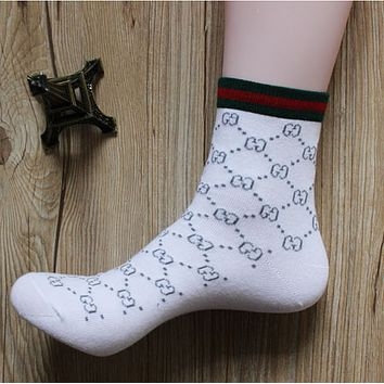 GUCCI summer and autumn cotton fight four seasons deodorant in the tube socks male youth sports and leisure socks White textured