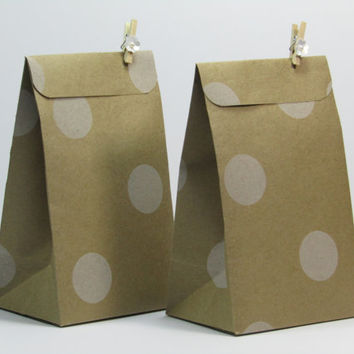 12 Polka Dots Kraft Brown Paper Wedding Favor Bag -Candy Buffet Favor Bags-Treat Bags-Bridal Shower Favor Bags-Flower Clothespins Included.
