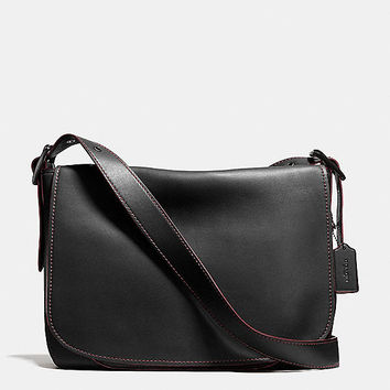 Saddle Bag Messenger 38 in Glovetanned Leather
