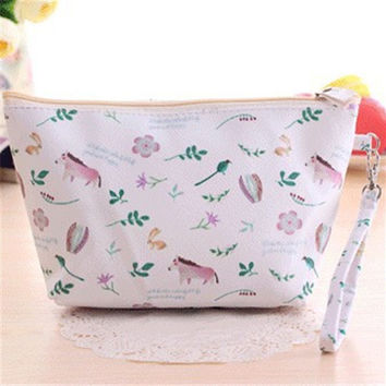 2016 Girls PU  waterproof cosmetic bag makeup bag beauty flower Japanese and Korean style travel fashion lady storage bag HBG23