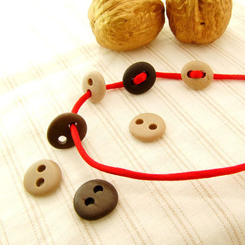 Natural Beach Stone Buttons 7 pcs-Black and White Small Stone Buttons Organic for Sewing, Jewelry, Diy Beads Pebbles