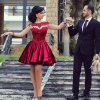 Sexy Burgundy Ball Gown Long Sleeve Beaded Lace Party Cocktail Dresses 2017 Dark Red Short Prom Gowns vestidos de coctel AC56