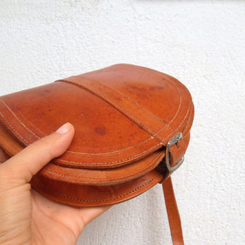 Caramel Brown Pouch, Western Saddle Bag, Distressed Leather Tan Shoulder Bag, Hippie Festive Bag, Rustic Hunting Pouch, Aged Artisan Purse