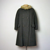 STOREWIDE SALE... vintage 1950s charcoal gray curly wool coat with mink collar