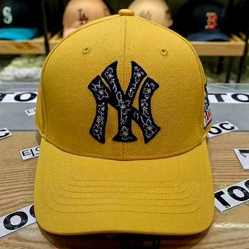 MLB 2019 new three-dimensional embroidery letters for men and women baseball cap Yellow
