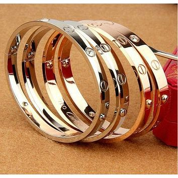 Cartier:Fashion star with the same titanium steel rose gold bracelet bracelet ring of eternal LOVE couple bracelet jewelry