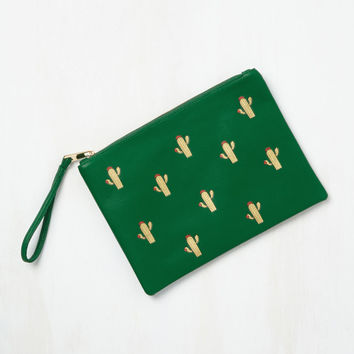In a Pretty Prickle Clutch | Mod Retro Vintage Wallets | ModCloth.com
