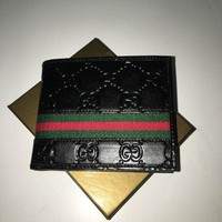 Gucci Mens Black Red Green Classic GG Supreme Web Bi-fold Wallet Fashion Purse