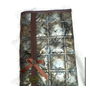 Book cover quilted plasticized fabric  with watches in handmade / Sleeve book ajustable /  Brown wrap book