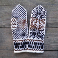 Nordic Wool Mittens - Brown and White Mittens - Christmas Gloves with Stars - Scandinavian Mittens - Winter Accesories nO 30.