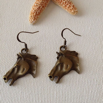 Horse head bronze earrings, 3-D, nickel free, horse lovers, gifts for horse people, equestrian gifts