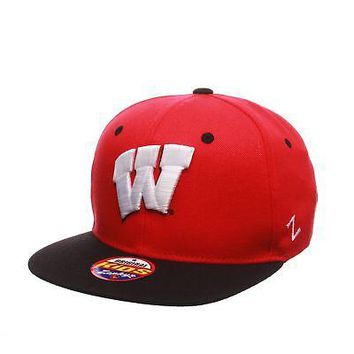 Licensed Wisconsin Badgers Official NCAA Z11 Youth Adjustable Hat Cap by Zephyr 400395 KO_19_1