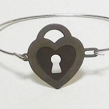 Thin Wire Bracelet, Key Pendant, Heart, Lock, Unpolished, Silver Tone, Brass, Vintage Jewelry
