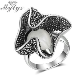 Mytys Brand Retro Design Opal Petal Antique Rings for Women High Quality Jewelry Gift for Women Flower bud Statement Rings R2017