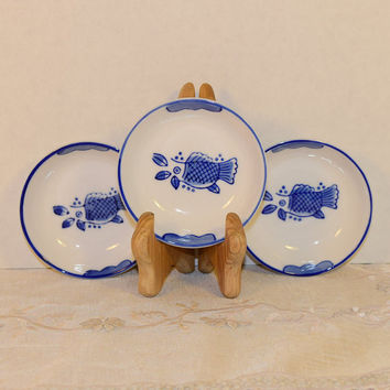 Asian Blue & White Fish Bowl Set Vintage Chinese Koi Carp Soy Sauce Dish Wasabi Ginger Tray Oriental Ring Holder Miniature Collectible Plate