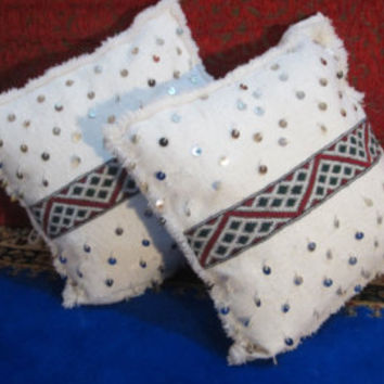 2 Vintage Moroccan Berber Weeding pillows cover with kilim !!! - Decorative Throw Pillow - Hand Loomed Wool