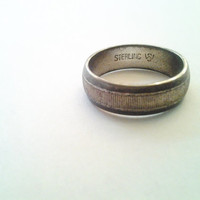 Men's Vintage finely ribbed textured sterling silver band ring Signed WS size 5.75