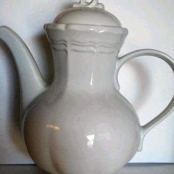 Mikasa French Countryside Pitcher with lid Porcelain F 9000