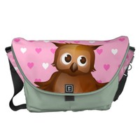 Cute Owl on Pink Heart Pattern Background Messenger Bag
