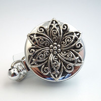 Silver Star Filigree Cabochon Chrome Badge Reel - Magnetic Retractable