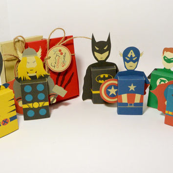 Superheroes emotibox - Customized geek paper box for season greetings, birthday wishes, expressing emotions