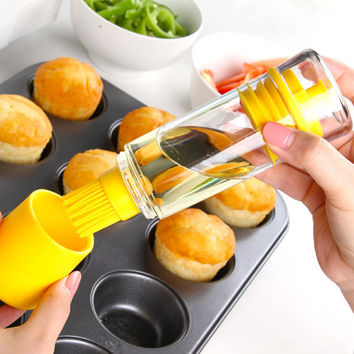 High Temperature Resistant Silicone Kitchen Brush with Oil Bottle