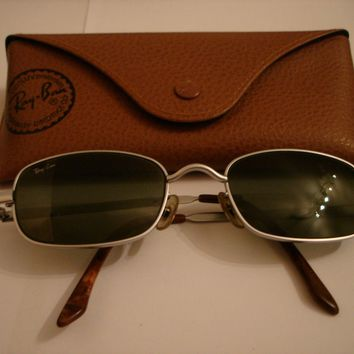 VINTAGE RAY BAN SUNGLASSES RARE REDUCED PRICE