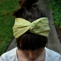 Green and White Patterned Headband