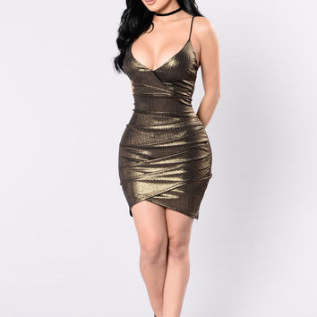 Fine Wine Dress - Gold