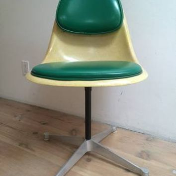 Herman Miller Eames office chair (Rare)