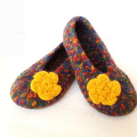 Custom order: Felted crochet slippers, Size US 6-6.5, US 7.5-8.5, US 9-10, cozy, warm, comfortable