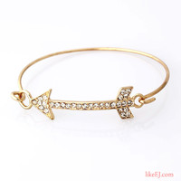 Chic Arrow Bangle Bracelet