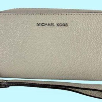 MICHAEL KORS JET SET TRAVEL PHONE CASE Cement Leather Wristlet Msrp $108.00