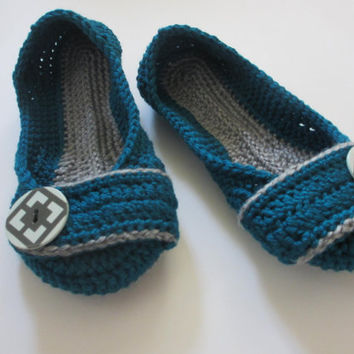 Women's Crochet slippers - Button slippers - womens sizes - double sole  - turquoise and gray - custom made - toddler