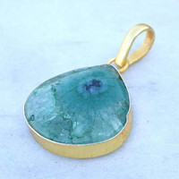 Green Druzy Pendant, druzy pendant, green Druze Agate Edged in Gold Pendant, Drussy Teardrop Pendant Necklace,