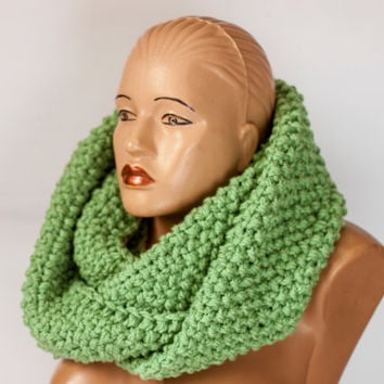 Chunky scarf, Crochet infinity scarf, Green scarf   Wool circular infinity unisex scarf Hand knitted scarf Women scarf