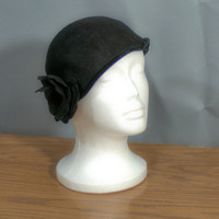 Vintage 1940's to 1950's Henry Pollack Inc. Cloche Wool Felt Hat Made in USA