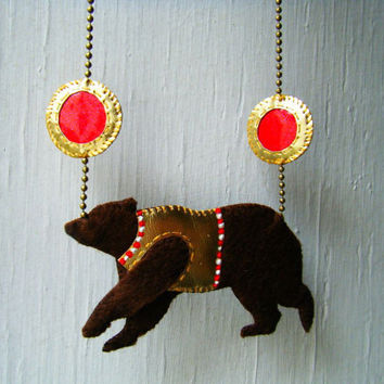 Felt & Fake Leather Necklace Circus Bear Vintage by CandyBandits