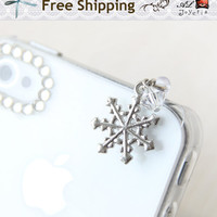 Snowflake iPhone Earphone Plug. Cell Phone Charm. iPhone4, iPhone5, Samsung, iPhone Accessories. Christmas Gift. Free Shipping