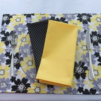 Black, Yellow & Gray Floral Placemats, Optional Matching Napkins, Table Linens, New Home, Housewarming, Bridal Shower Gift, Set of 2