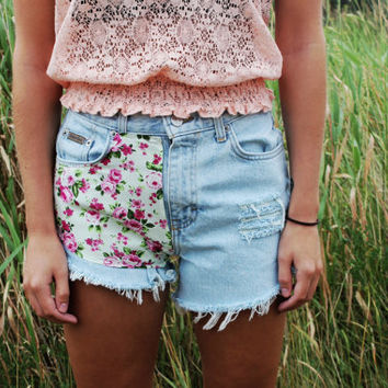 Light Washed/Pink Floral High-Waisted