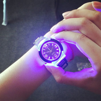 Fashion Tide LED Light Cool Tide the Female Form Student Casual Sports Personality Jelly Luminous Watches Clock Hours saat