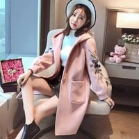 New 2017 brands Design Women's Winter embroidering Coat Long Wool Winter Coat Women Warm printing Wool Coat Long Women's Outwear