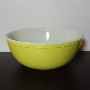 Vintage Pyrex Yellow Large 4 qt Mixing Bowl - Primary Yellow Nesting Bowl - Pyrex 404