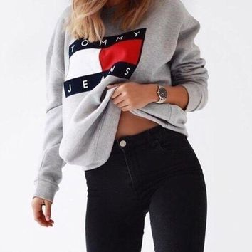 DCCKBA7 Tommy Jeans For UO '90s Pullover Sweatshirt